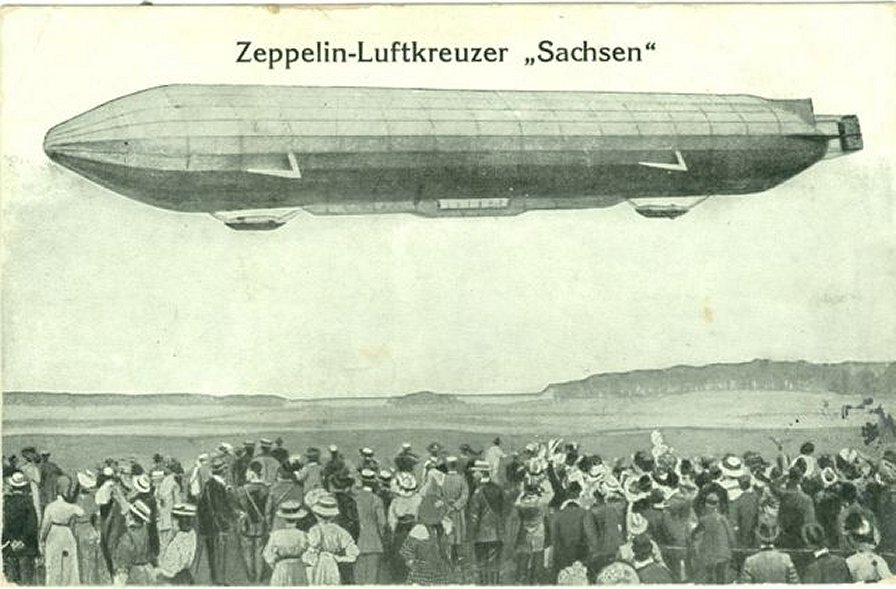 click to enlarge the picture: Luftschiff LZ-17 Sachsen über Nový Bor