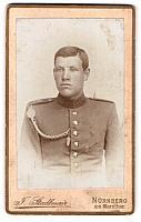 old postcard: Fotografie F. Stadtlmair, Nürnberg, am Sternthor, Portrait junger bayrischer Soldat, Uniform Rgt. 21 mit Schützenschnur   in good condition
